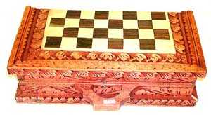 Handcrafted games, bali gifts, craved chess set, table game crafts, indonesian artisan, unique home fashions