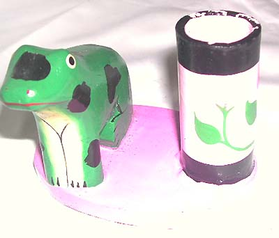Animal craved tooth paste holder, wooden washroom figures, childrens teeth cleaning accessory, bali artsy decor