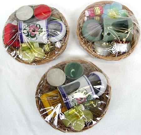 Scented candles, aroma therapy, massage oils, incense burners, soaps, womens gift sets, bathroom gift basket